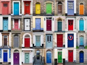 Collage von farbigen Häuserfronten
